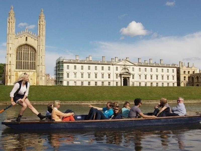 Punting in Cambridge River Tour