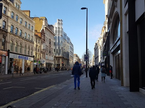 Oxford Street (Oxford Circus to Tottenham Court Road)