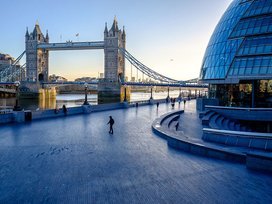 Tower Bridge (City Hall Side)
